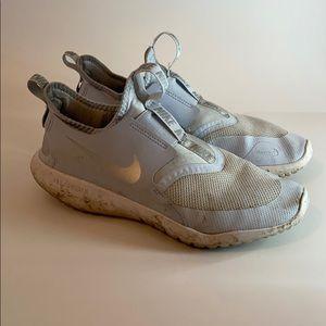 Nike flex runner shoes!